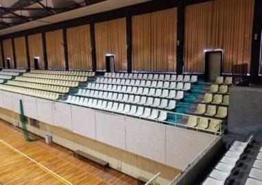 千葉商科大学体育館観客席塗装工事